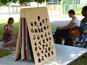 Pensez à vous inscrire pour Enigma' jardin avec Dire Lire dimanche 24 juillet à 11h © Perluette